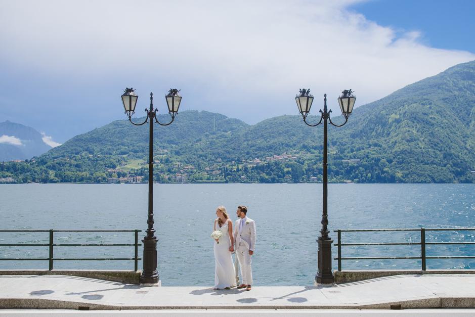 Lake villa dating